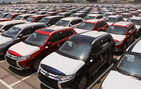 نزدیک شدن خودروهای وارداتی به در خروجی گمرک