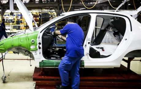 فروش اموال غیر تولیدی خودروسازان باید تا شهریور امسال به پایان برسد