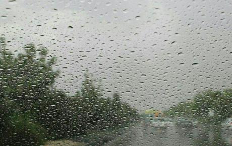رانندگی در بارانهای کم هم خطرناک است