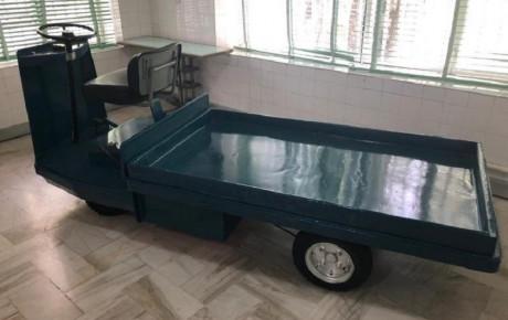 خودروی ویژه حمل غذا پهلوی دوم به نمایش گذاشته شد