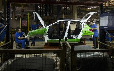 دو دستور اقتصادی به خودروسازان