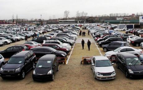 واردات خودروی دست دوم تنها به نفع دلالان است
