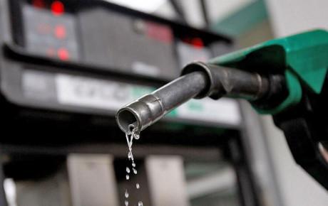 آخرین تصمیم گیریها درباره قیمت و سهمیه بندی بنزین