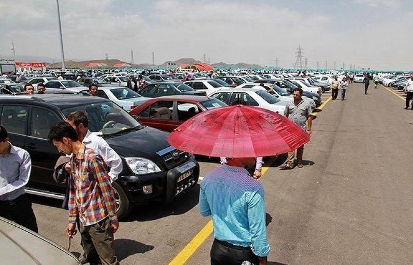قیمت خودرو روزانه کاهش مییابد