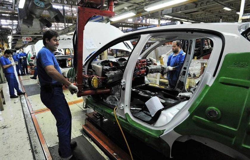 مشکل اصلی خودروسازان و قطعه سازان کمبود نقدینگی است