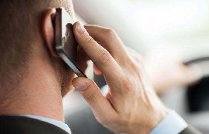 هشدار پلیس در مورد استفاده از تلفن همراه به هنگام رانندگی