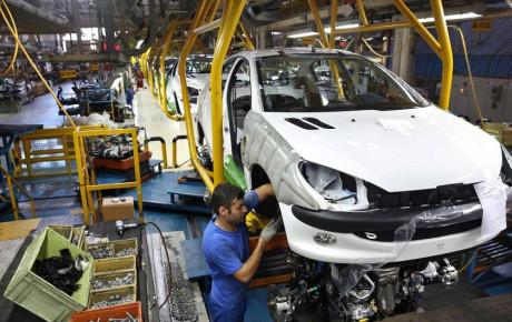 با مذاکره توانستیم ۴ هزار میلیارد تومان تسهیلات برای خودروسازان وام بگیریم