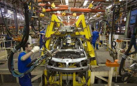 انعطاف زنجیره خودروسازی در ماجرای تسهیلات ارزی؟
