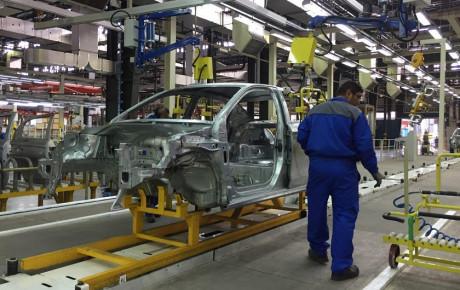 واگذاری خودروسازان زیان ده اشتباه است