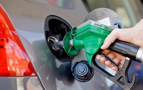 قیمت بنزین تا پایان تابستان امسال گران نخواهد شد