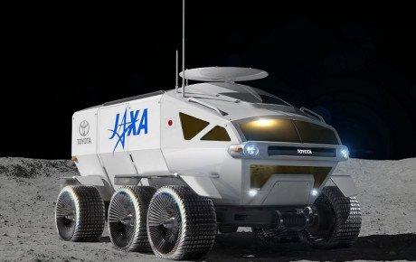 تویوتا تا ۱۰ سال آینده خودروی خود را روی ماه میفرستد + ویدیو
