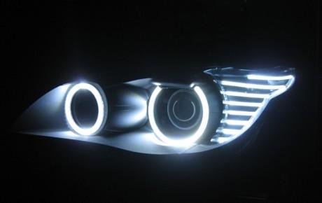 برای نصب چراغ چشمک زن در خودرو باید مجوزهای لازم اخذ شود