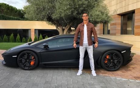 خودروهای لاکچری فوتبالیستهای ایران و جهان را بشناسید
