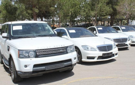 خودروهای لوکس قاچاق همچنان در انبار اموال تملیکی نگهداری میشوند