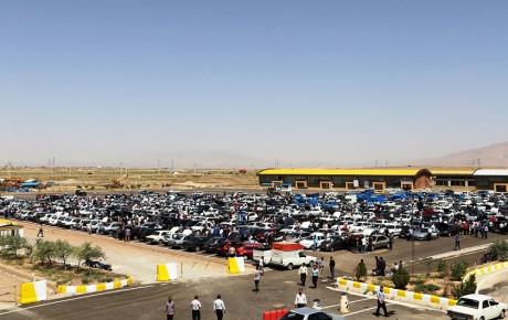 کاهش قیمت خودروهای داخلی همچنان ادامه دارد