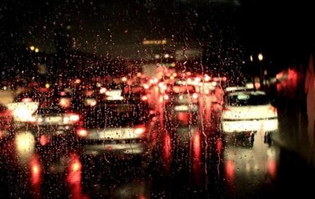 توصیههای پلیس راهور به رانندگی در آب و هوای بارانی