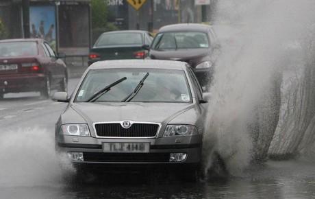 نکات مهم برای رانندگی در باران و برف