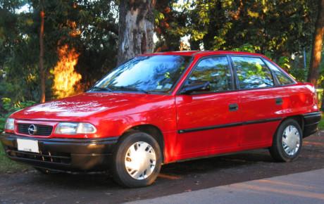 اوپل آسترا سدان مدل ۱۹۹۴