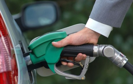 تفاوت قیمت بنزین ایران با کشورهای همسایه