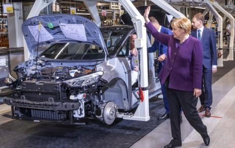 برنامه دولت آلمان برای افزایش یارانه خودروهای الکتریکی