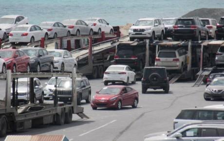 ترانزیت ۱۰۶ هزار خودرو از بندرلنگه به آسیای میانه