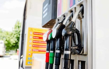 مصرف بنزین سوپر کاهش یافته است