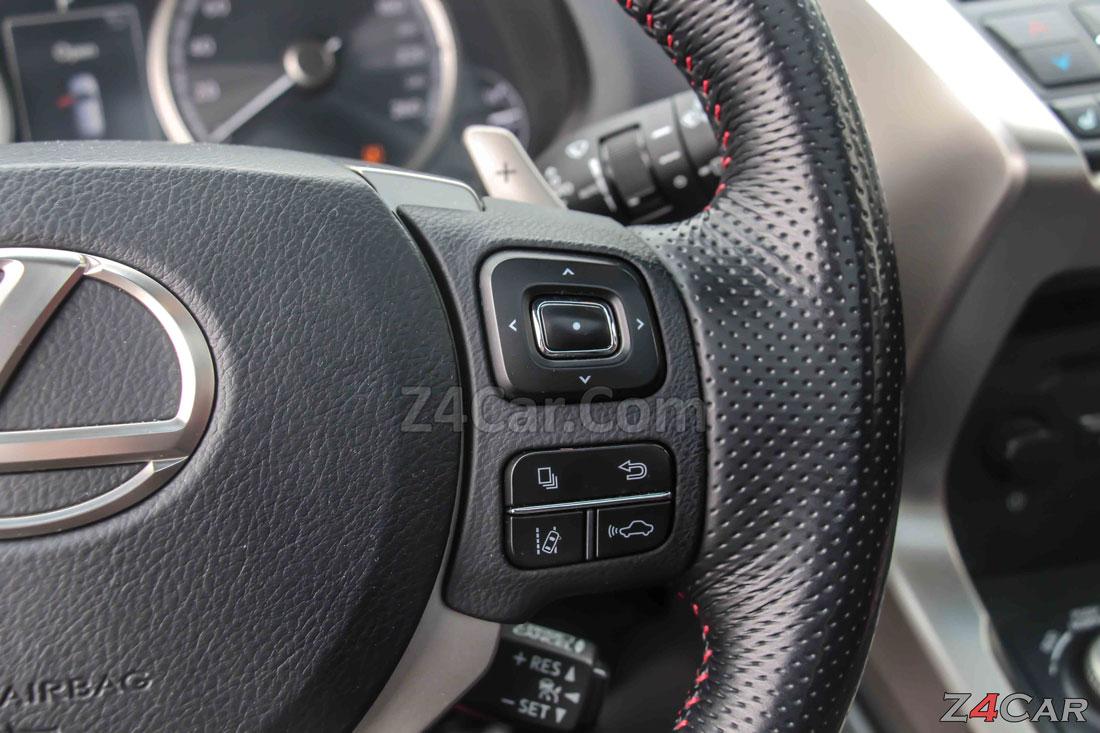 دکمه های فرمان لکسوس NX300h هیبریدی