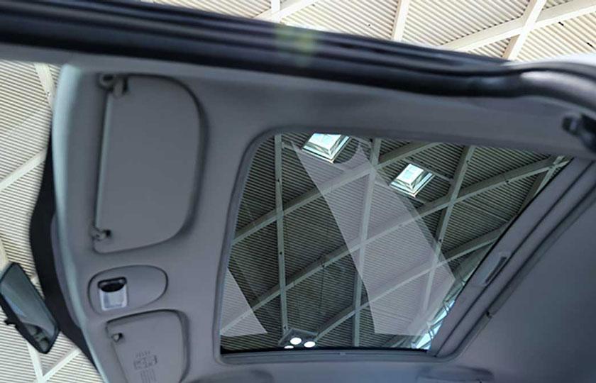 پژو 207 هاچبک سقف شیشه ای