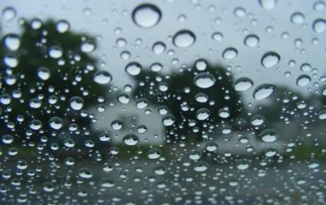 اسپری آبگریز خودرو برای روزهای بارانی