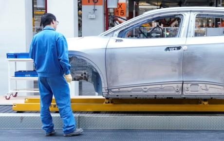 زیان روزانه 6 میلیون دلاری خودروسازان از کرونا