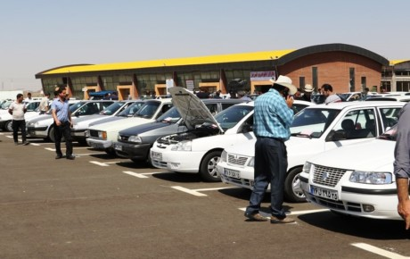 پیش بینی روند کاهشی قیمت خودروها