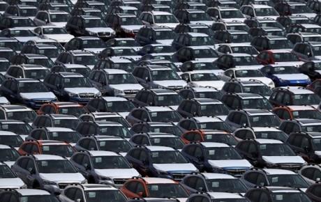 کاهش ۱۸ درصدی فروش خودرو در چین