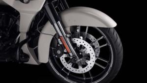 رونمایی از نسخه ویژه موتورسیکلت هارلی دیویدسون CVO Road Glide