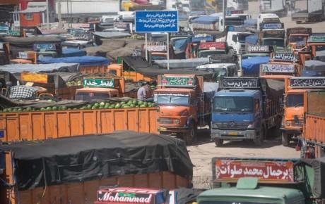 قرنطینه رانندگان ایرانی در ترکیه و توقف ۱۵۰۰ کامیون در سومار
