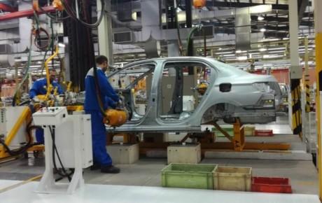 خودروسازان وعده وزیر صنعت را عملی نکردند
