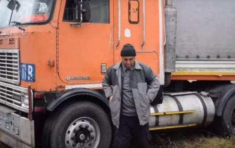 فردین کاظمی با کامیون اهدایی از لهستان، به ایران برگشت