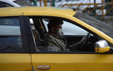 ممنوعیت سوار کردن 3 مسافر در صندلی عقب تاکسیها