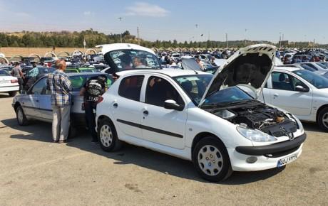 نگاهی به سیاستهای دستوری در بازار خودرو