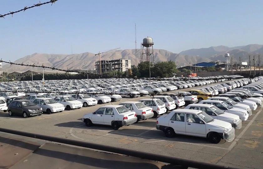گروگانگیری قیمت خودرو در پارکینگها