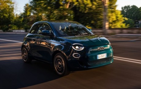 ورود فیات به قلمرو مرسدس بنز با نسخه ویژه خودروی الکتریکی ۵۰۰