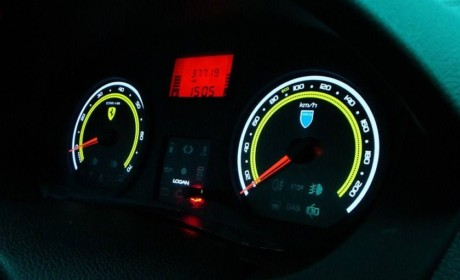 همه چیز درباره کیلومتر شمار دیجیتال و آنالوگ خودرو