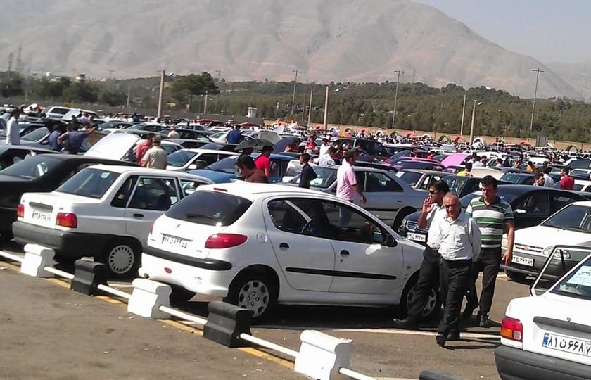 عبور قیمت خودرو از موانع دستوری