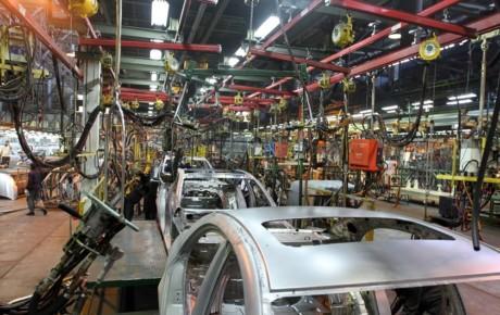 دلیل درجا زدن صنعت خودرو در تولید و صادرات