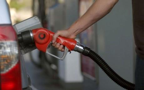 ۹۰۰ نازل سوخت در کشور خراب است