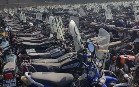 ترخیص موتورسیکلت های رسوبی ادامه دارد