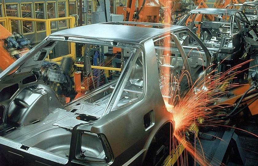شکل گیری دو تفکر در تداوم مسیر خودروسازی