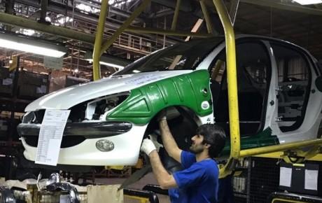 عرضه خودرو در بورس باعث افزایش کیفیت تولیدات داخلی می شود