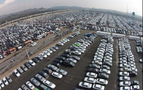 نیمی از خریداران خودرو احتکار می کنند