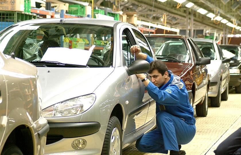 وزارت صمت به دنبال سپردن قیمت گذاری به خودروسازان