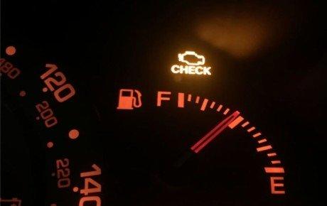 علتهای روشن شدن چراغ چک خودرو